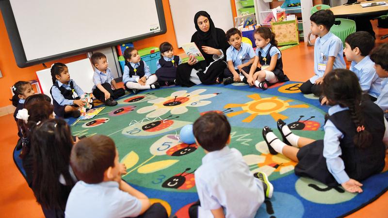 «صحة أبوظبي» تحظر 17 صنفاً غذائياً على المقاصف المدرسية