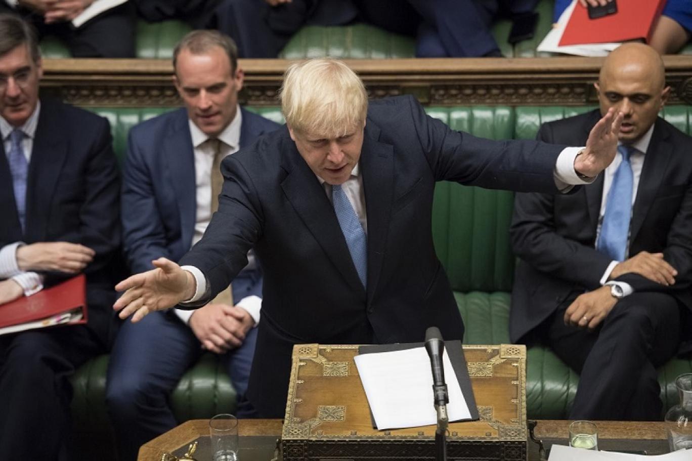 بريطانيا.. جونسون يتمسك بموقفه أمام محاولة البرلمان تأجيل البريكست