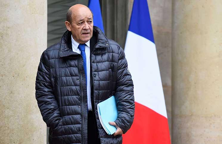 وزير خارجية فرنسا يتجنب الرد على أسئلة بيع الأسلحة للإمارات والسعودية
