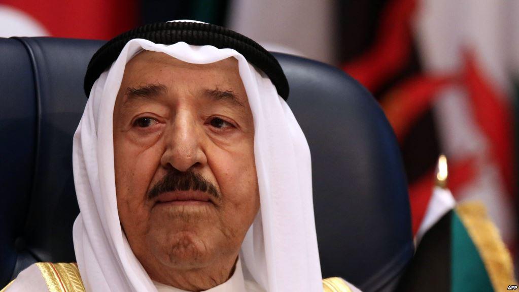 أمير الكويت يبعث برسالة لمحمد بن زايد بعد ساعات من أخرى لأمير قطر
