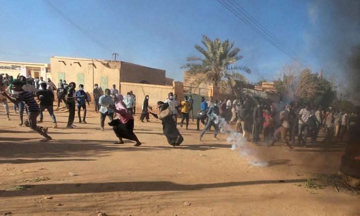 الحكم على تسع نساء محتجات في السودان بـ20 جلدة والسجن شهرا