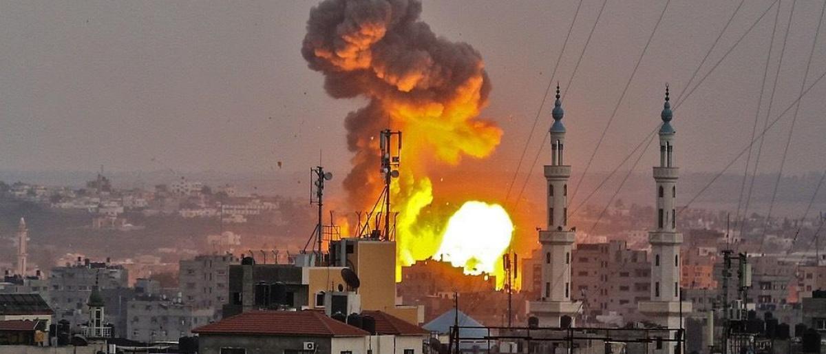 4 شهداء.. غارات واسعة على غزة بعد مقتل جندي إسرائيلي