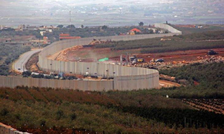 """إسرائيل تطالب اللبنانيين فوق """"أنفاق"""" حزب الله بالرحيل"""