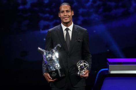 فان دايك يتفوق على ميسي ورونالدو ويتوج بجائزة أفضل لاعب في أوروبا