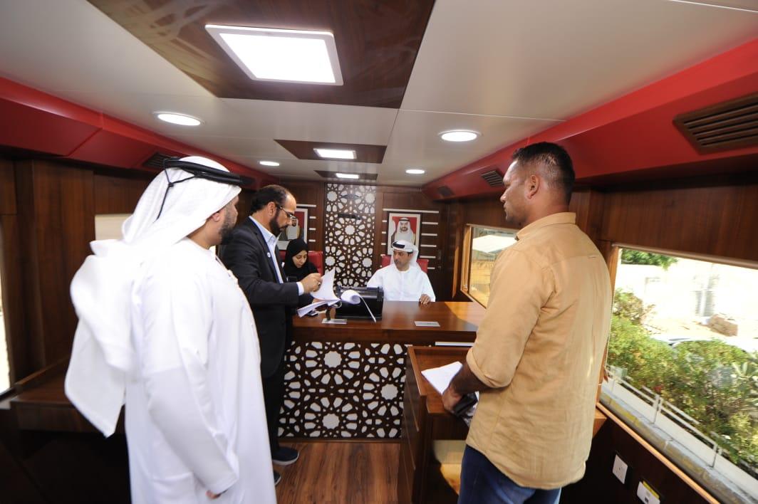 تسوية الوضع القانوني لـ 400 عامل ودياً في أبوظبي