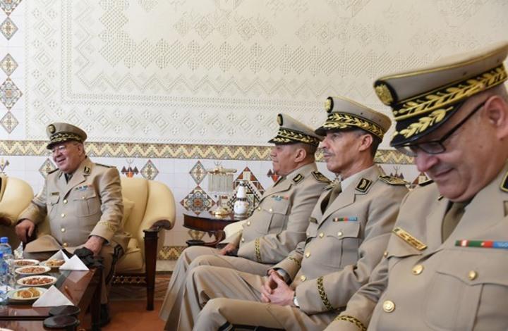 الجزائر.. تهم فساد تجر 5 جنرالات وعقيدا بالجيش إلى السجن