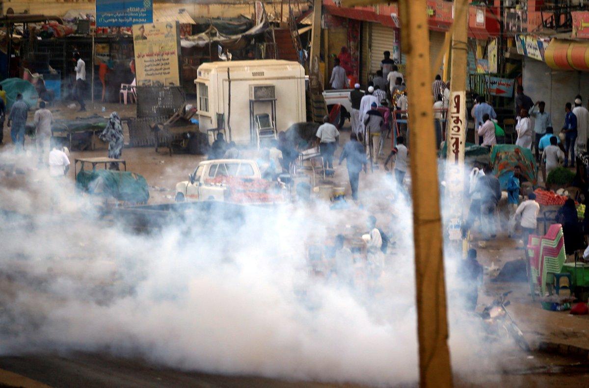 بعد مقتل طبيب.. أطباء السودان يعلنون إضراباً ومقاطعة مستشفيات عسكرية