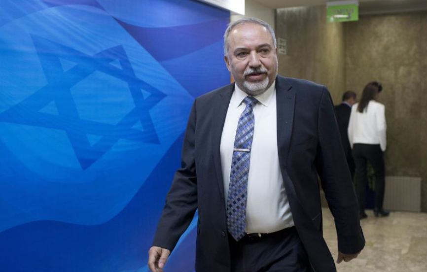 بسبب فشله في غزة.. توقعات بإعلان ليبرمان استقالته اليوم