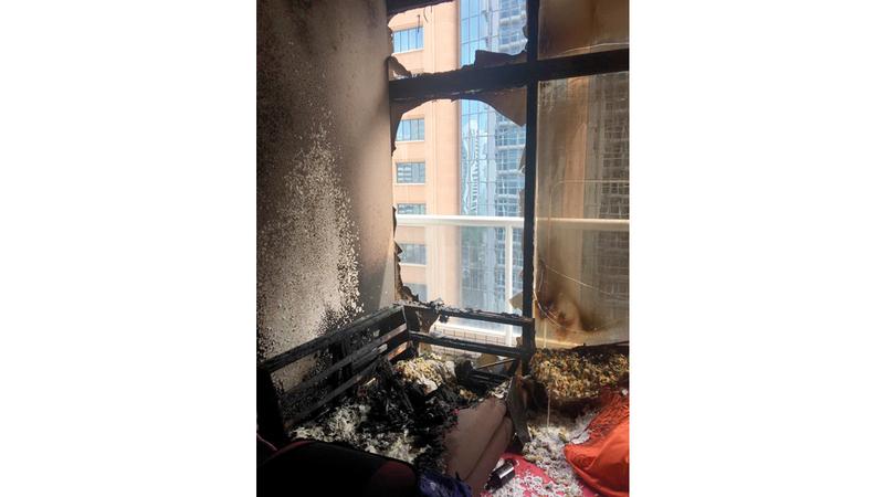 وفاة طفلة وإصابة شخصين آخرين بحريق شقة في أبوظبي