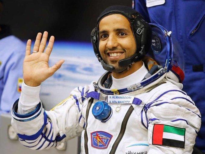 وصول أول رائد فضاء إماراتي إلى محطة الفضاء الدولية