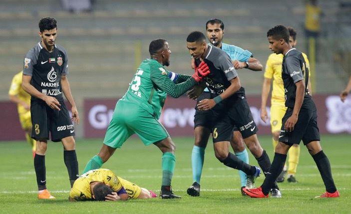 إيقاف تنفيذ عقوبة لاعب شباب الأهلي دبي حسن إبراهيم مؤقتا