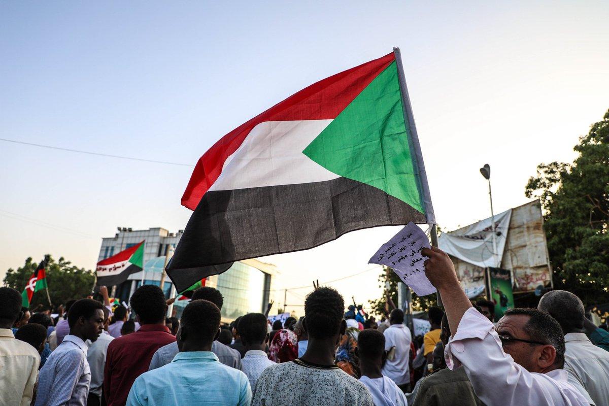 قيادي شيوعي سوداني: أبوظبي دعمت الانقلاب لتصفية الإسلاميين
