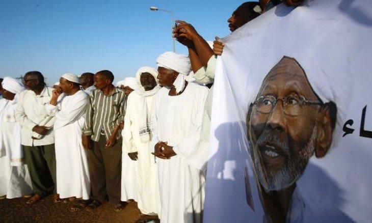 حزب إسلامي يطالب بإجراء تحقيق في مقتل متظاهرين بالسودان