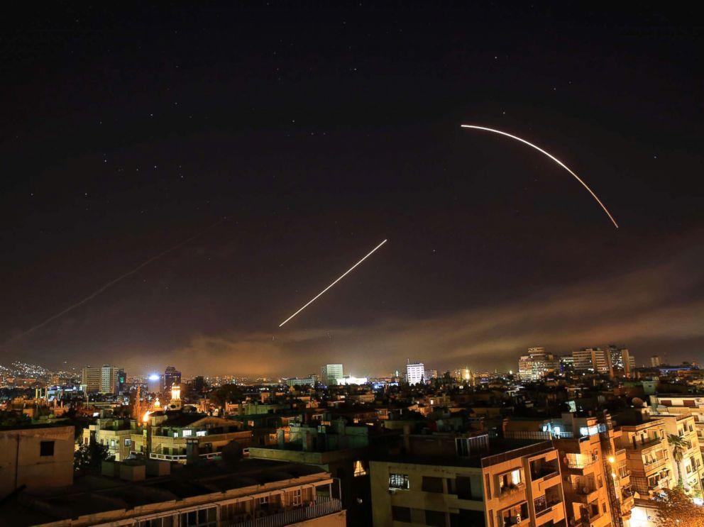 ديلي بيست: نظام الأسد اعترض الضربة الغربية بصاروخين فقط