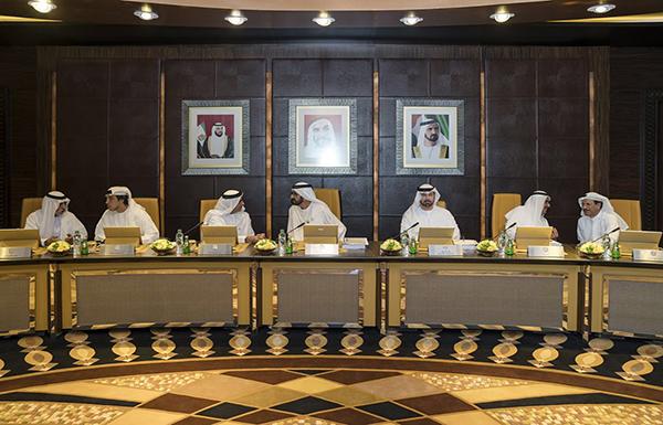 محمد بن راشد يعلن إقرار السياسة الوطنية للأسرة
