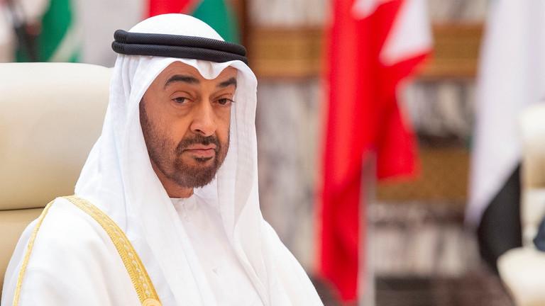 محمد بن زايد يجري اتصالات مع قادة فرنسا وباكستان