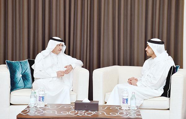 عبدالله بن زايد يبحث مع أمين عام «التعاون الإسلامي»  تعزيز العلاقات