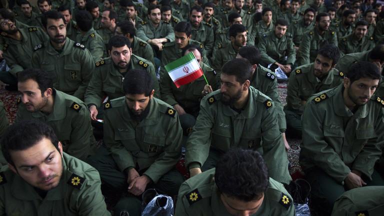 الحرس الثوري يهدد باستهداف القواعد الأمريكية في الإمارات