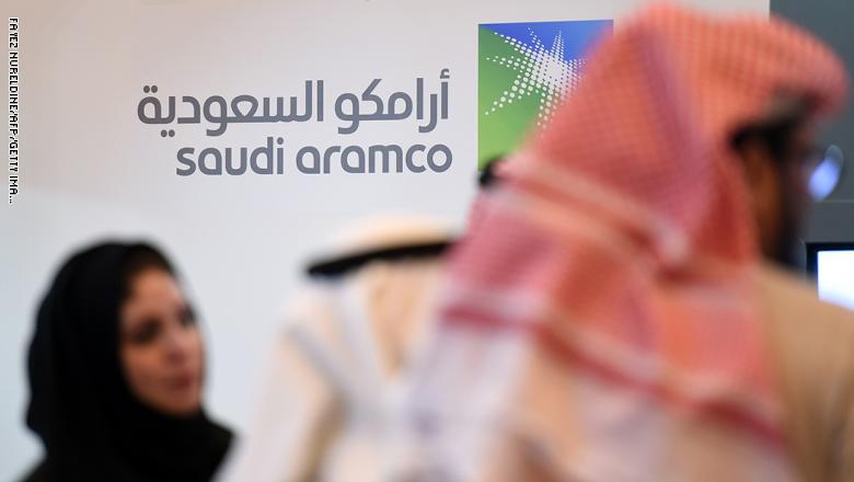 فايننشال تايمز: السعودية تجبر عائلات غنية على الاستثمار في اكتتاب أرامكو