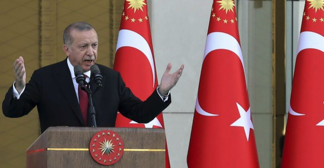 أردوغان ينتقد تلبية الاتحاد الأوروبي لدعوة السيسي