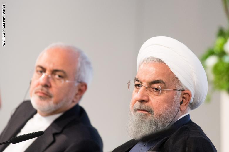 الرئيس الإيراني يرفض قبول استقالة ظريف