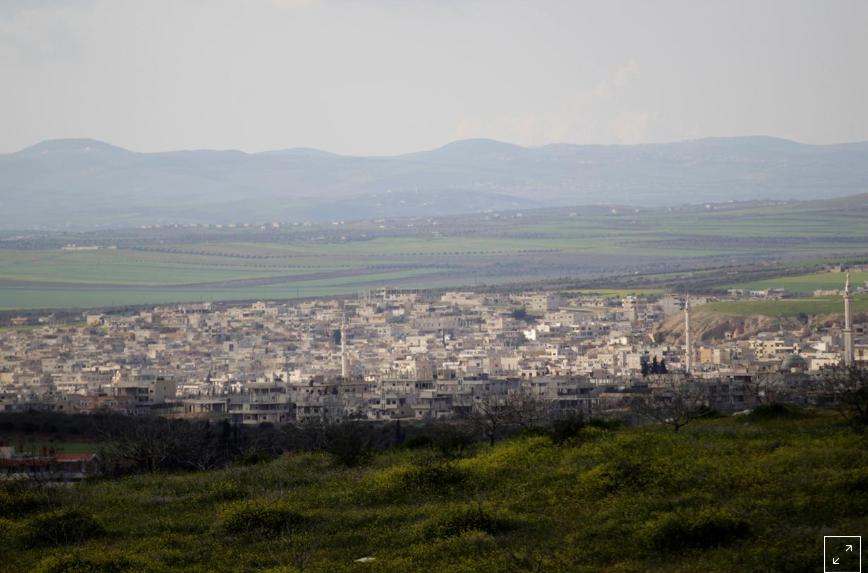 المعارضة وسكان: الجيش السوري وروسيا يكثفان الهجوم على إدلب