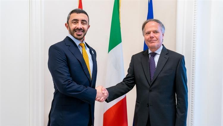 عبدالله بن زايد يبحث الملف الليبي مع وزير خارجية إيطاليا