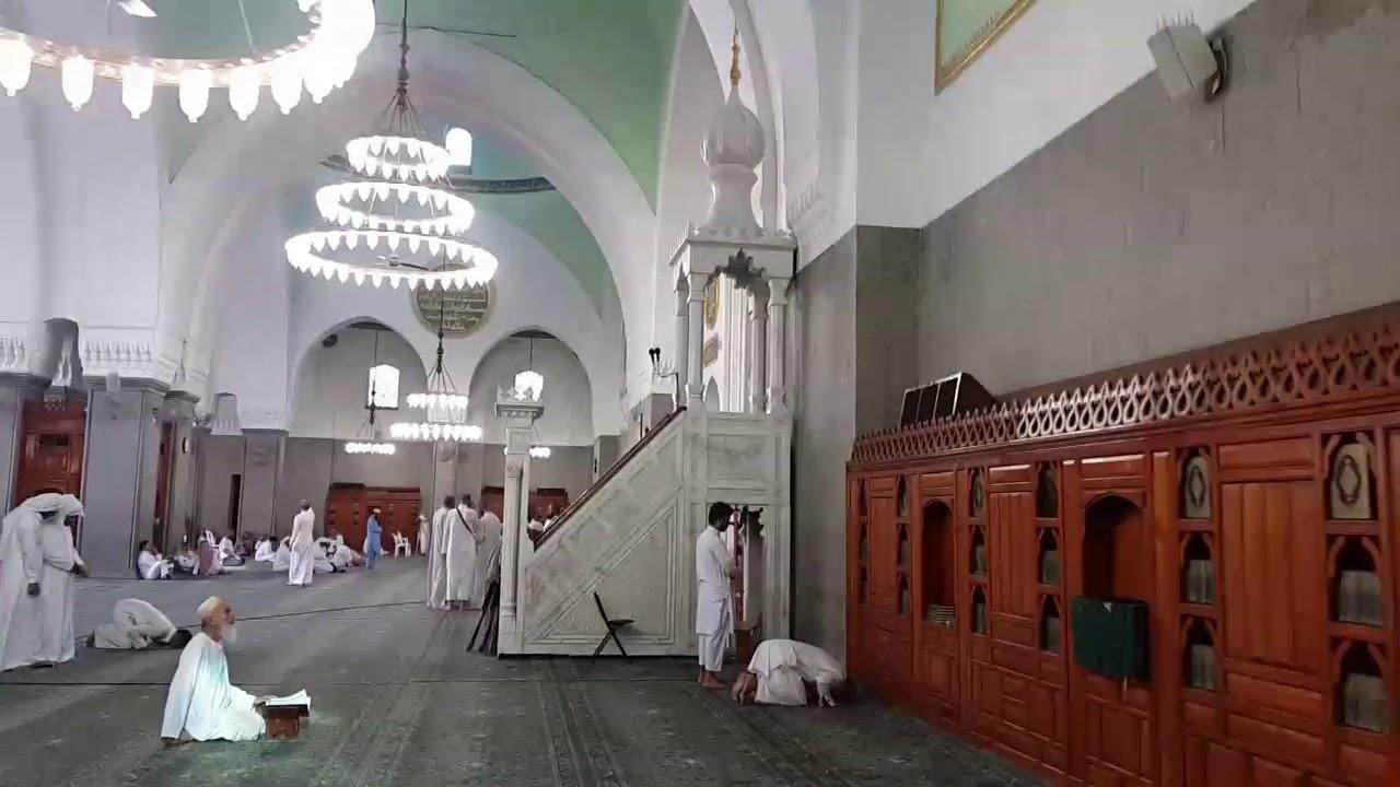 السعودية.. إنزال خطيب مسجد بالقوة من على المنبر لانتقاده الدولة