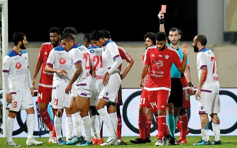 اتحاد الكرة يعتمد تشكيل هيئة خاصة للاعتراض على البطاقات الحمراء