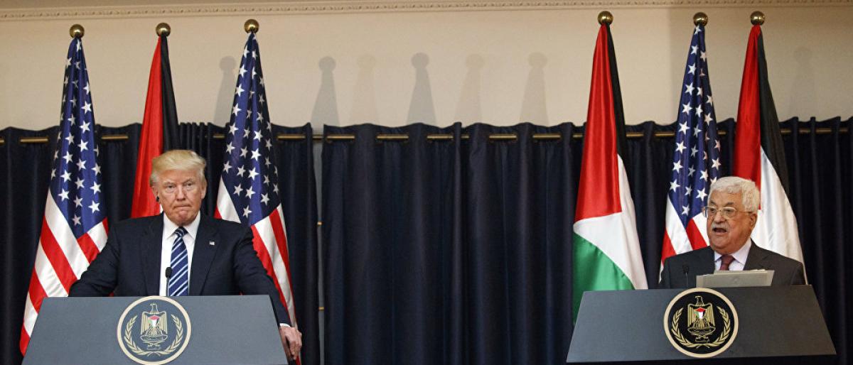 عباس يوافق على أحد البنود الخطيرة لـصفقة القرن
