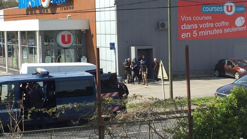 قتيلان على الأقل في عملية احتجاز الرهائن في فرنسا