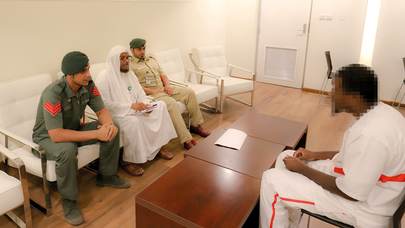 7 نزلاء يُشهرون إسلامهم في سجون دبي