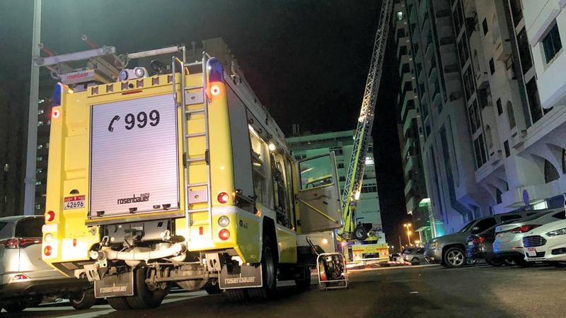 حريق يلتهم بناية مكونة من 13 طابقاً في منطقة الخالدية