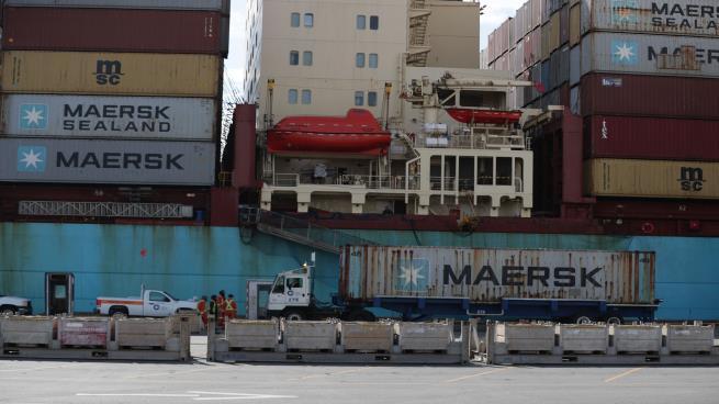 شركات شحن ترفع أسعار حاويات الخليج بسبب الصراع في المنطقة