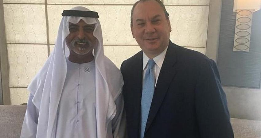 التقى بهم.. حاخام  يزعم أن قادة الإمارات مرتبكون