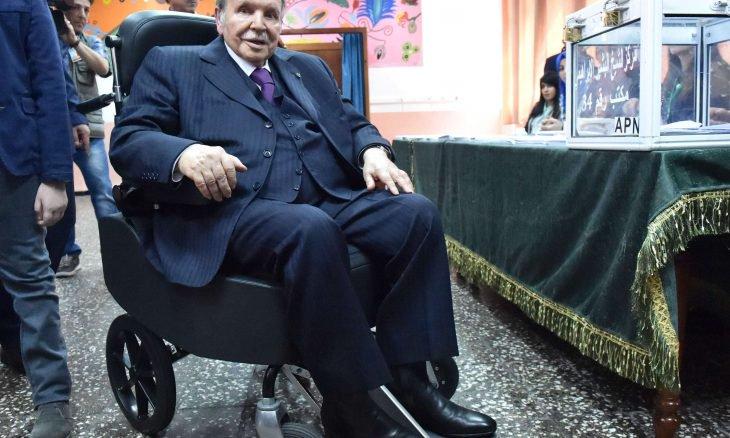 بوتفليقة للجزائريين: انتخبوني وأعدكم بتنظيم انتخابات رئاسية مبكرة ولن أترشح لها!