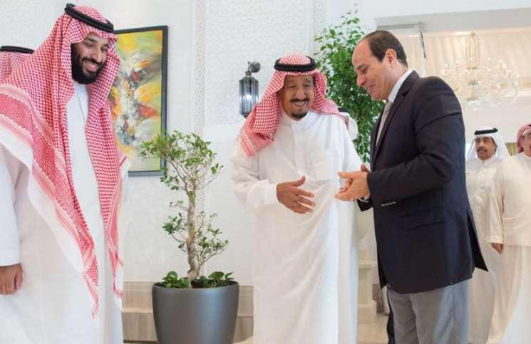 السيسي يلتقي العاهل السعودي في نيوم