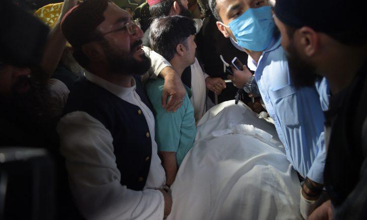 """مقتل """"أبو طالبان"""" الملا سامي الحق بطعنات سكاكين وخناجر وبالرصاص في باكستان"""