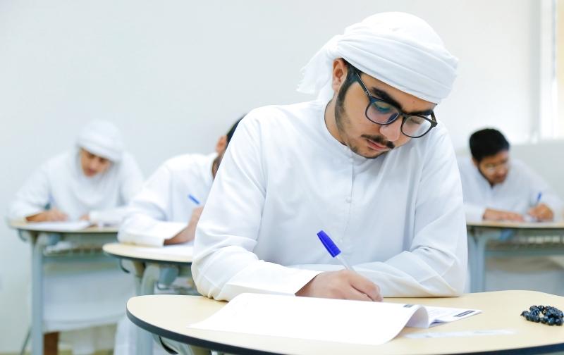 طلبة يحصلون على «غائب بعذر» في مواد أدوا امتحاناتها