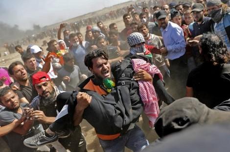 إصابة 18 فلسطينيًا برصاص الاحتلال على حدود غزة
