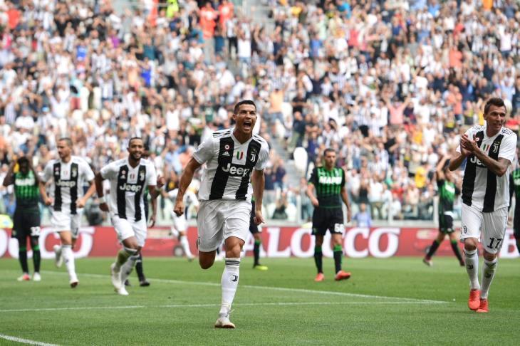 رونالدو يفتتح أهدافه مع يوفنتوس بثنائية في الدوري الإيطالي