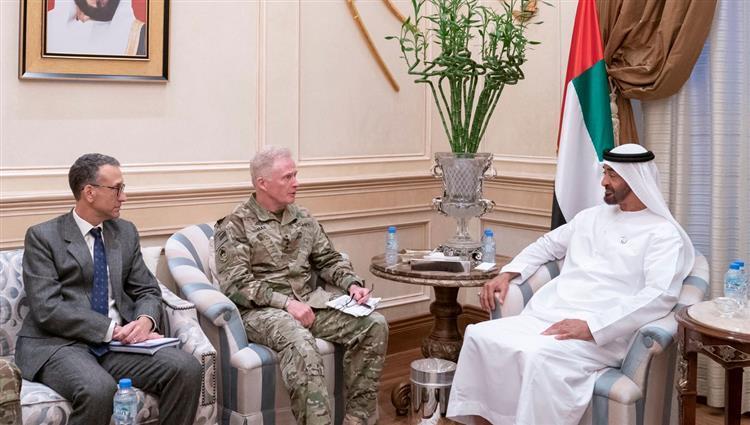 رغم تخلي البنتاغون عن أبوظبي.. محمد بن زايد يستقبل مسؤول عسكري أمريكي