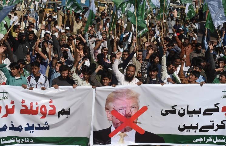 وزارة الدفاع الأمريكية تلغي مساعدات لباكستان بقيمة 300 مليون دولار