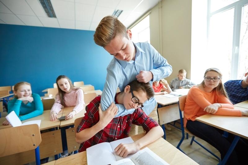 تقرير: انخفاض حالات التنمر لدى الطلاب في مدارس الدولة