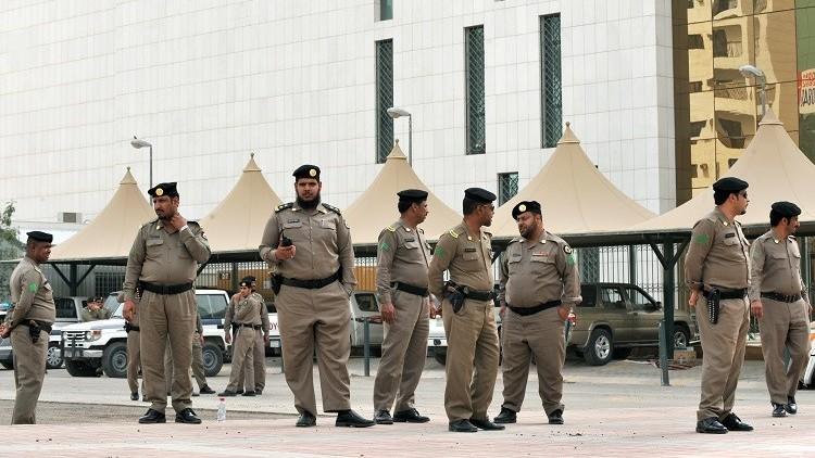 السعودية.. إعدام 3 أشخاص اقتحموا منزلا وجردوا امرأة من ملابسها