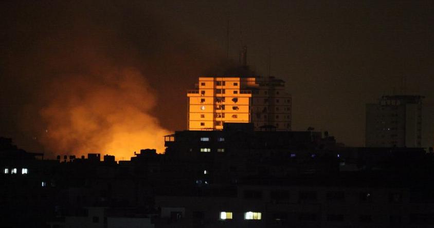 3 شهداء و12 إصابة بسلسلة غارات إسرائيلية على قطاع غزة