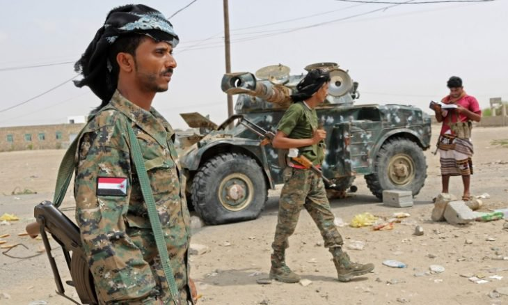 وزارة الدفاع اليمنية تتهم الإمارات بدعم تمرد ميليشيا المجلس الانتقالي بالسلاح