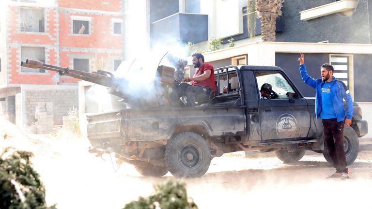 مصدر دبلوماسي إماراتي: المعركة في ليبيا من أجل إنهاء نفوذ قطر وتركيا