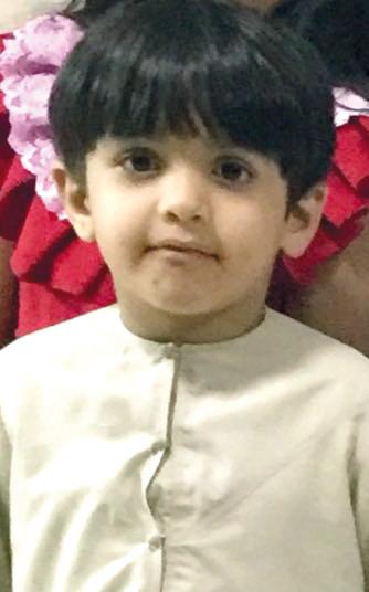 والدة الطفل المصعوق في رأس الخيمة: الإهمال قتله