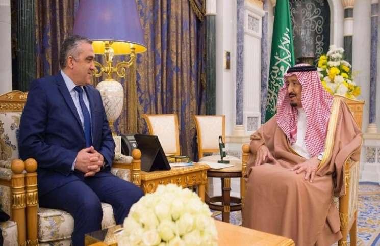 """دبلوماسي جزائري سابق: السعودية فشلت في تكرار تجربة """"حفتر"""" في تونس"""